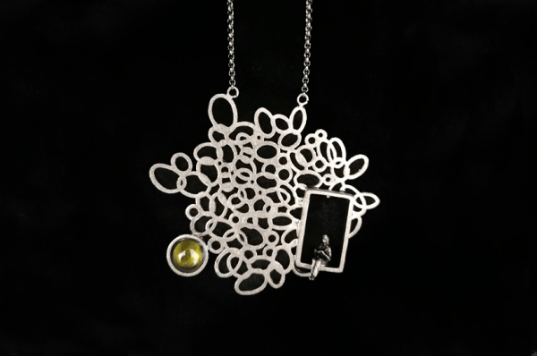 urban bronze necklace