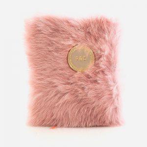 Caderno de pelo rosa
